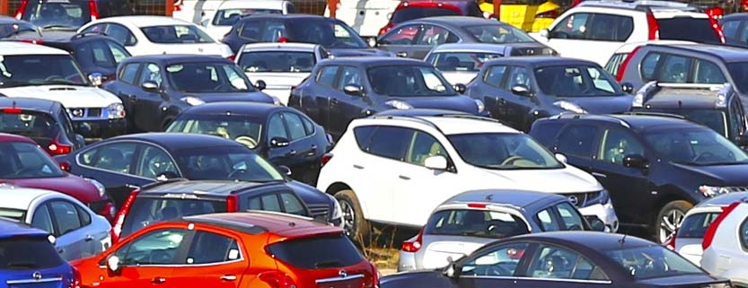 Parking of many cars at auction